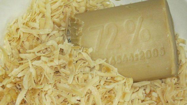 Хозяйственное мыло для рецептов от варикоза нужно натереть на терке