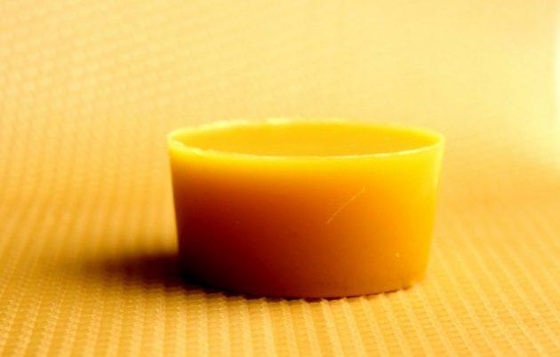 Крем «Здоров» от варикоза противопоказан при аллергии на продукты пчеловодства