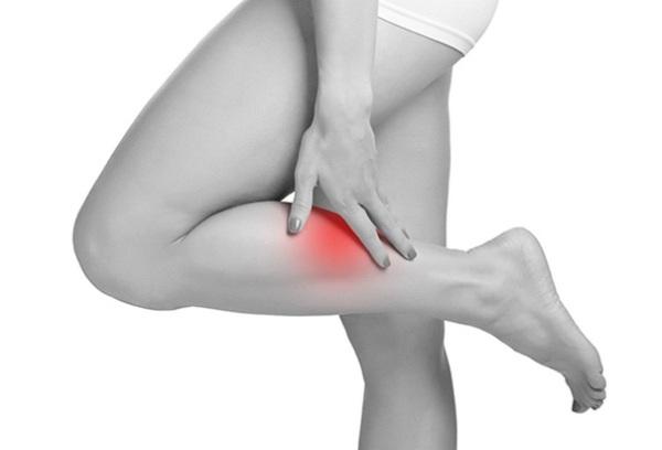 боли в ногах при недостаточности клапанов вен