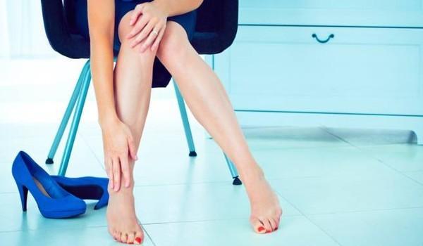 отек ноги в щиколотке сопровождаются тяжестью в ногах
