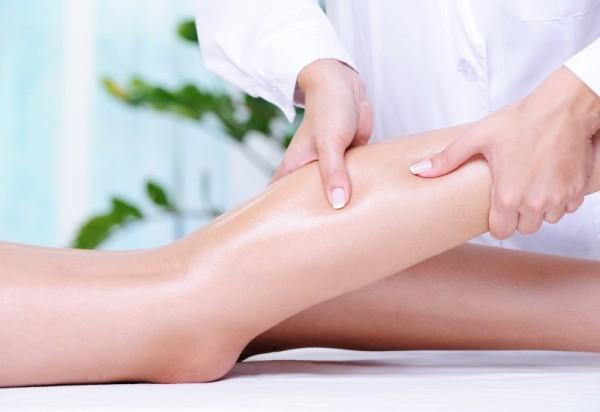 если отекают ноги у женщин - нужен массаж ног