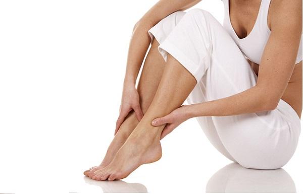 самомассаж поможет уменьшить отек ног